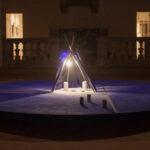 Martedì 8 dicembre 2020, alle ore 18.00, la Galleria Nazionale d'Arte Moderna e Contemporanea accende il presepe d'artista realizzato da Guido Strazza dal titolo Il Presepe Blu notte, a cura di Giuseppe Appella.